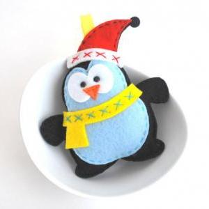 Felt Penguin Ornament Tutorial and Pattern